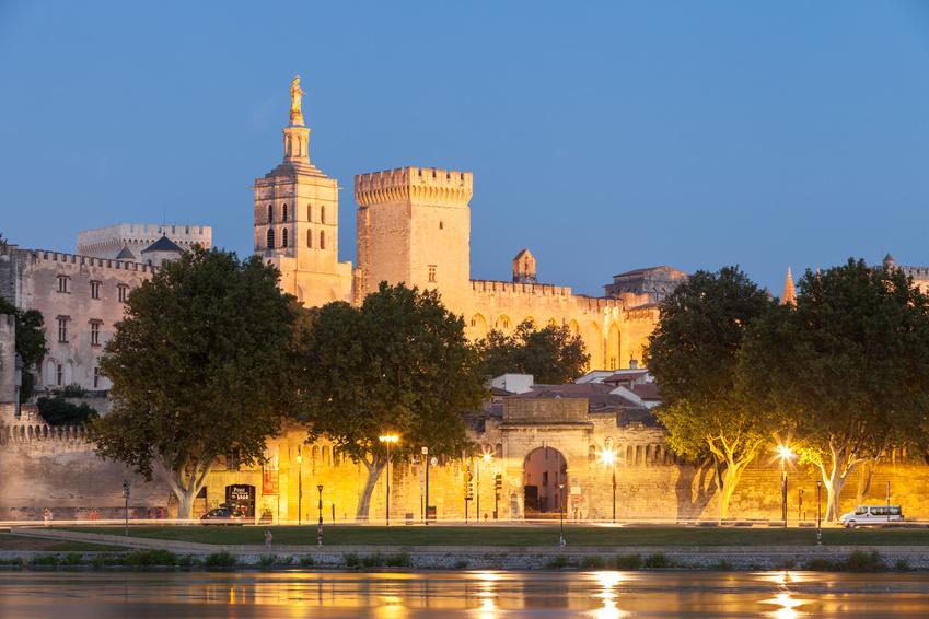 Le Palais des Papes sur Avignon